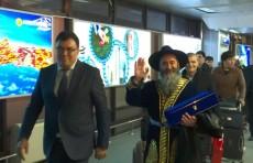 Глава Госкомтуризма лично встретил первых «безвизовых» туристов