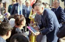 48 жителям Алмазарского района вручили ключи от новых квартир