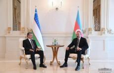 Шавкат Мирзиёев встретился с Ильхамом Алиевым в Баку