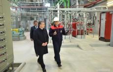 Президент ознакомился с ходом монтажа второй парогазовой установки в Навоийской ТЭС