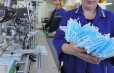Узбекистан импортировал из Китая 40 тонн сырья для пошива масок и спецодежды
