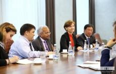 Министр финансов провел встречу с представителями Всемирного банка