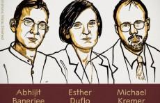 Нобелевскую премию по экономике присудили за экспериментальный подход к борьбе с бедностью