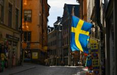 Несмотря на отказ от карантина, Швецию постиг масштабный кризис, - Bloomberg