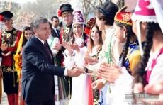 Шавкат Мирзиёев поздравил народ Узбекистана с праздником Навруз